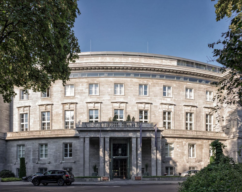 SO/, marque de luxe audacieuse et dynamique de AccorHotels, doublera son réseau grâce à l'annonce de quatre nouvelles ouvertures d'hôtels ...